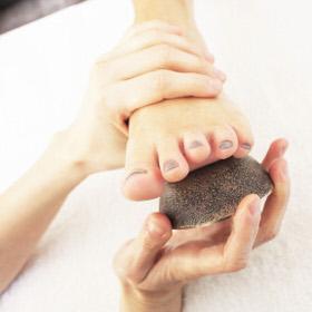 Kansa Vatki Ayurvedic Foot Massage