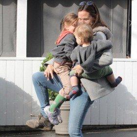 sh_health-parent-struggling-with-2kids