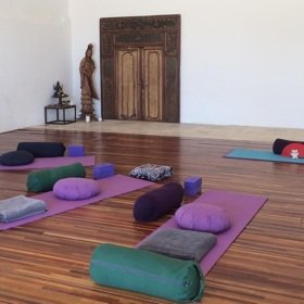 sh_yoga-retreat