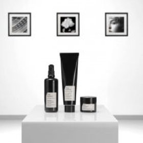 lifestyle aging london city life polution beauty facials antiaging organic beauty products comfort zone dermalogica
