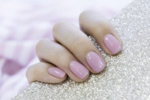 pearlescent pink nails