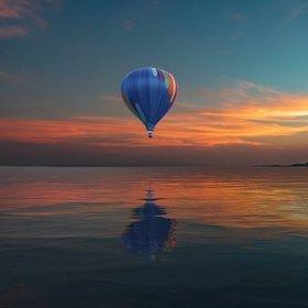 SH Hot air balloon sunset